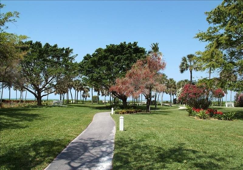 Park Shore Grounds