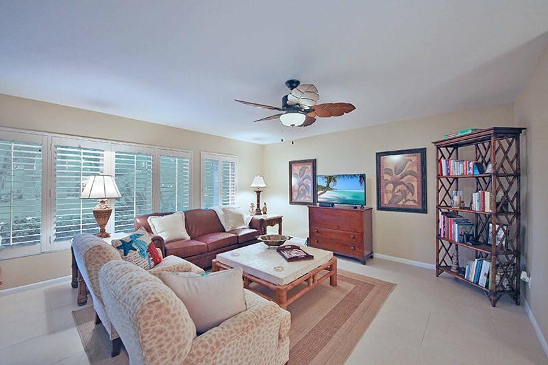 Living Room Vew 3