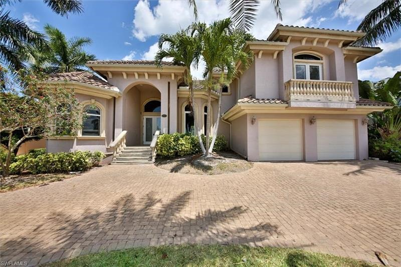 Outside view of a Naples monthly vacation rental