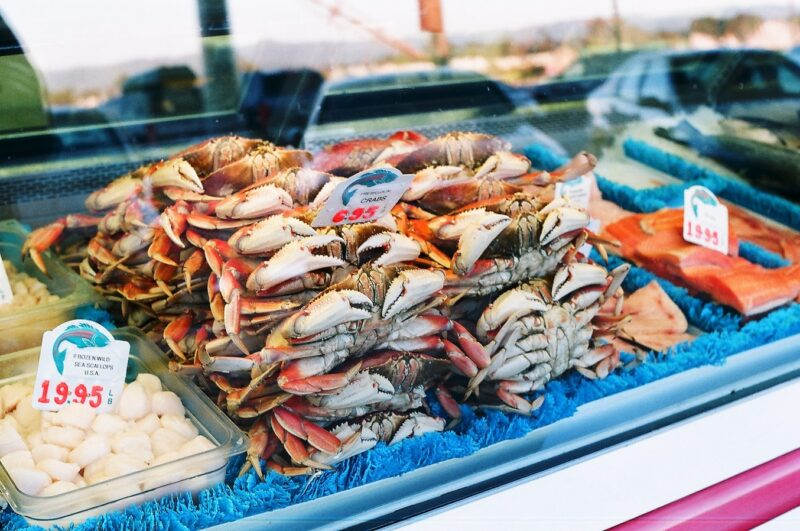 crab at a seafood market