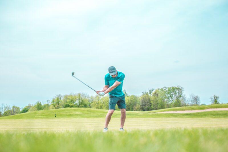 golfer in mid swing